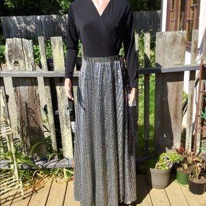 NWT LuLaRoe DeAnne Wrap Dress Black & Silver